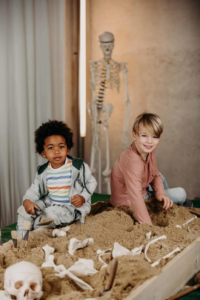 hallein-duerrnberg-erleben-sehenswuerdigkeiten-keltenmuseum-kinder-ausgrabung