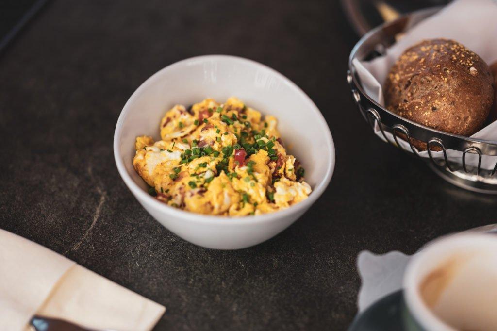 tvb-hallein-duerrnberg-erleben-geniessen-cafe-am-steg-ham-and-eggs