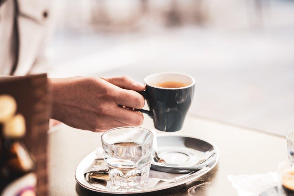tvb-hallein-duerrnberg-erleben-geniessen-cafe-am-steg-kaffee-trinken