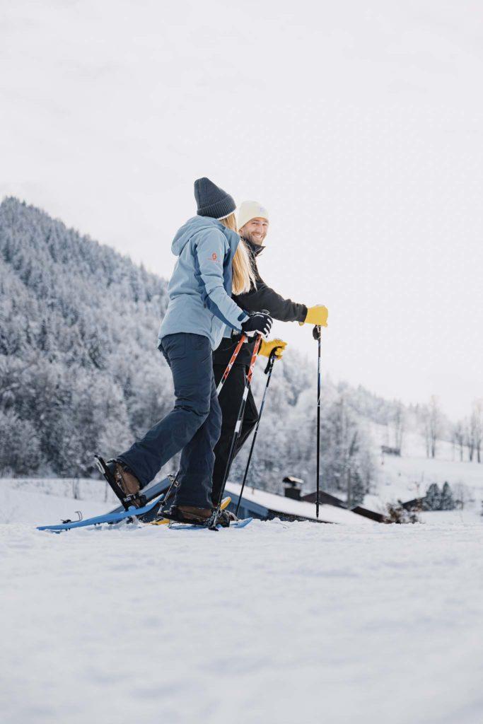 tvb-hallein-duerrnberg-erleben-duerrnberg-schneeschuhwandern-zinkenstueberl-spass-beim-schneeschuhwandern