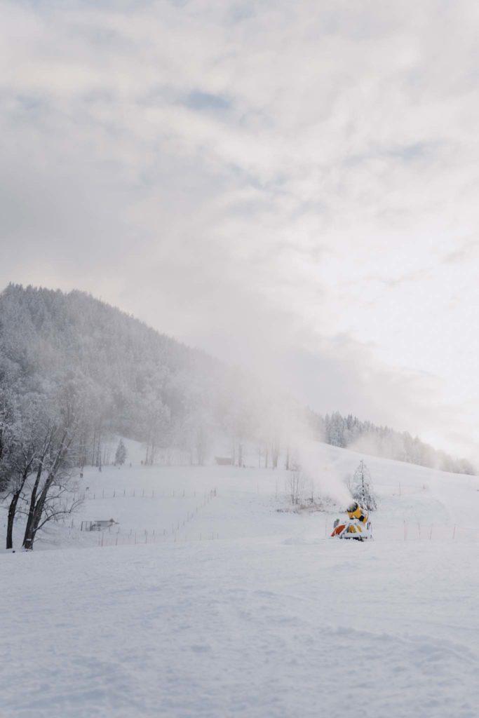 tvb-hallein-duerrnberg-erleben-duerrnberg-skifahren-am-duerrnberg-schneemaschine