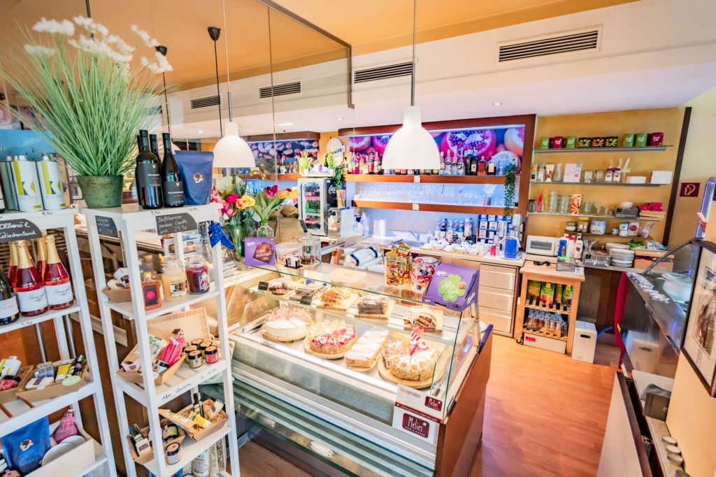 tvb-hallein-duerrnberg-erleben-geniessen-cafe-melies-innenraum