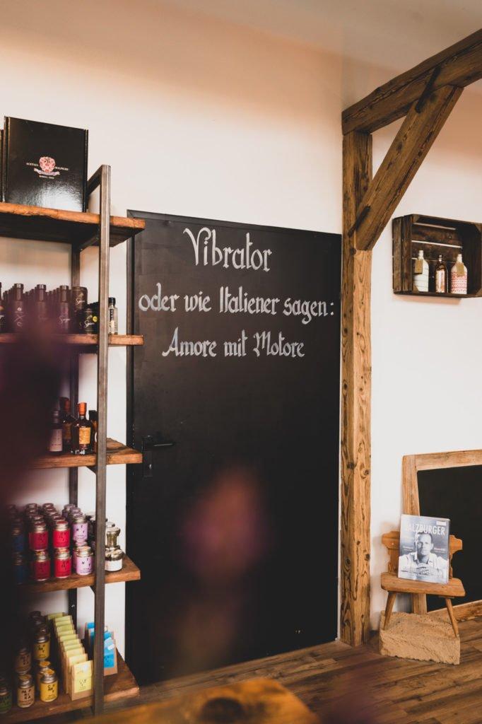 tvb-hallein-duerrnberg-erleben-geniessen-genussdealer-innen-kreidetafel