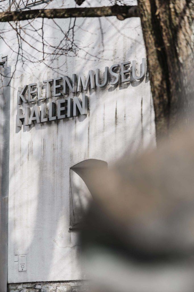 tvb-hallein-duerrnberg-erleben-sehenswuerdigkeiten-keltenmuseum-aussen-anschnitt-hoch