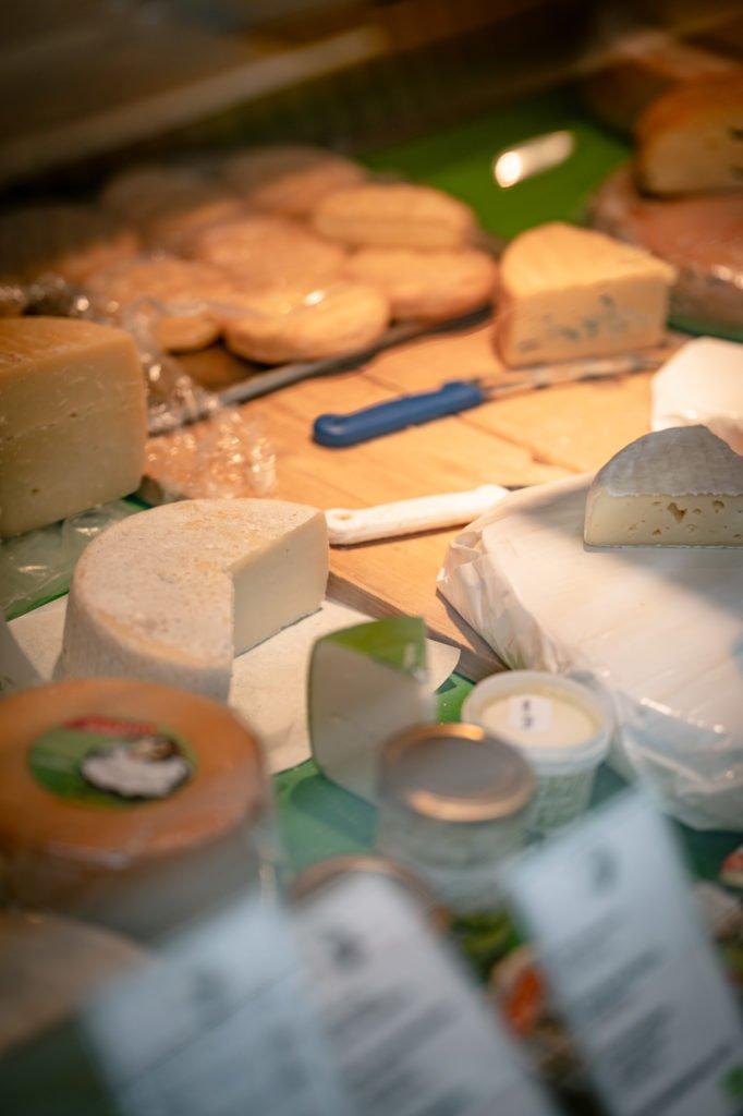 tvb-hallein-duerrnberg-erleben-shopping-biomarkt-kaese