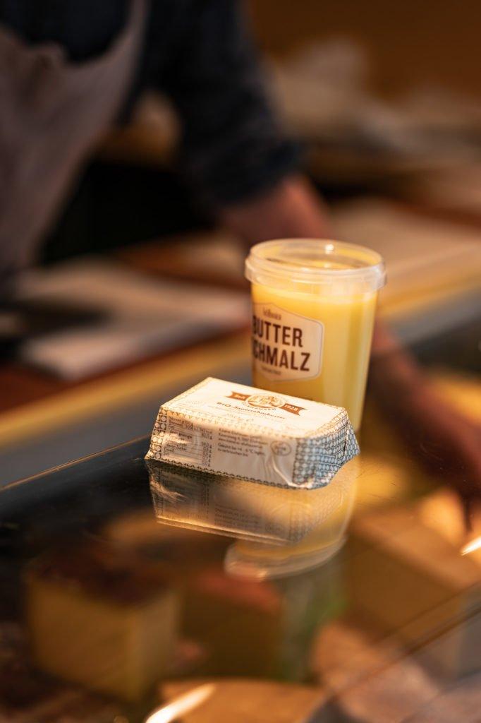 tvb-hallein-duerrnberg-erleben-shopping-biomarkt-kaese-und-butterschmalz