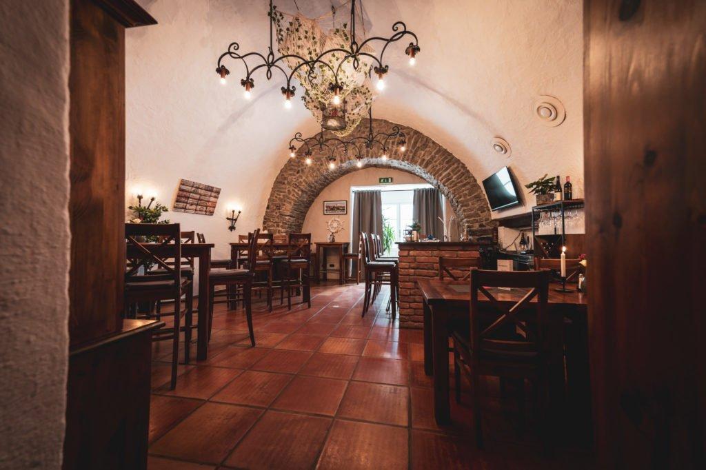 tvb-hallein-duerrnberg-erleben-shopping-danijels-restaurant-innenraum-quer