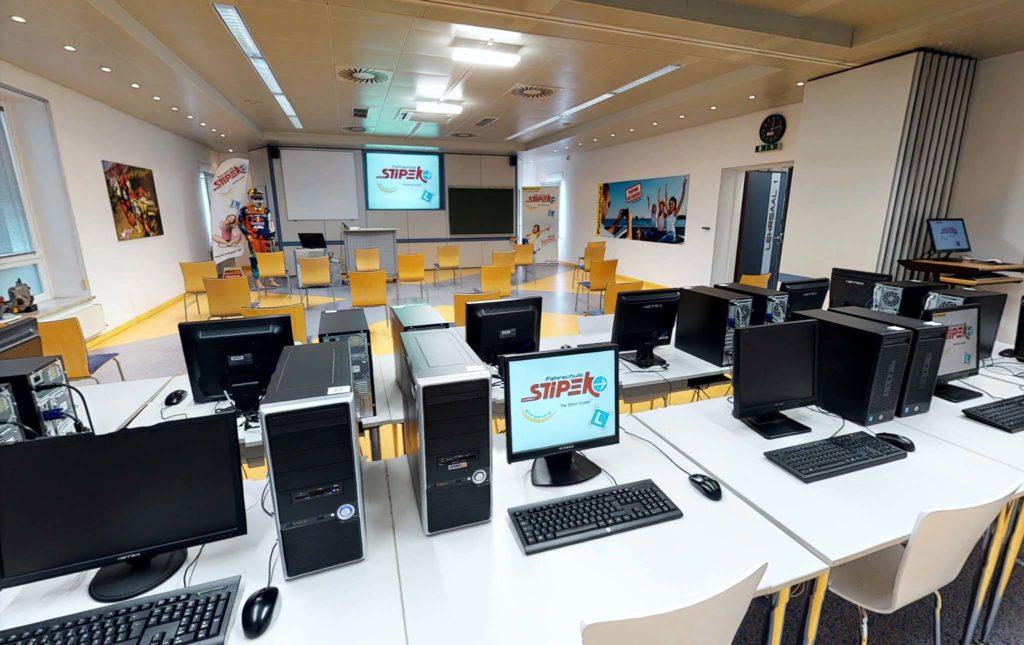 tvb-hallein-duerrnberg-erleben-shopping-fahrschule-stipek-lehrsaal