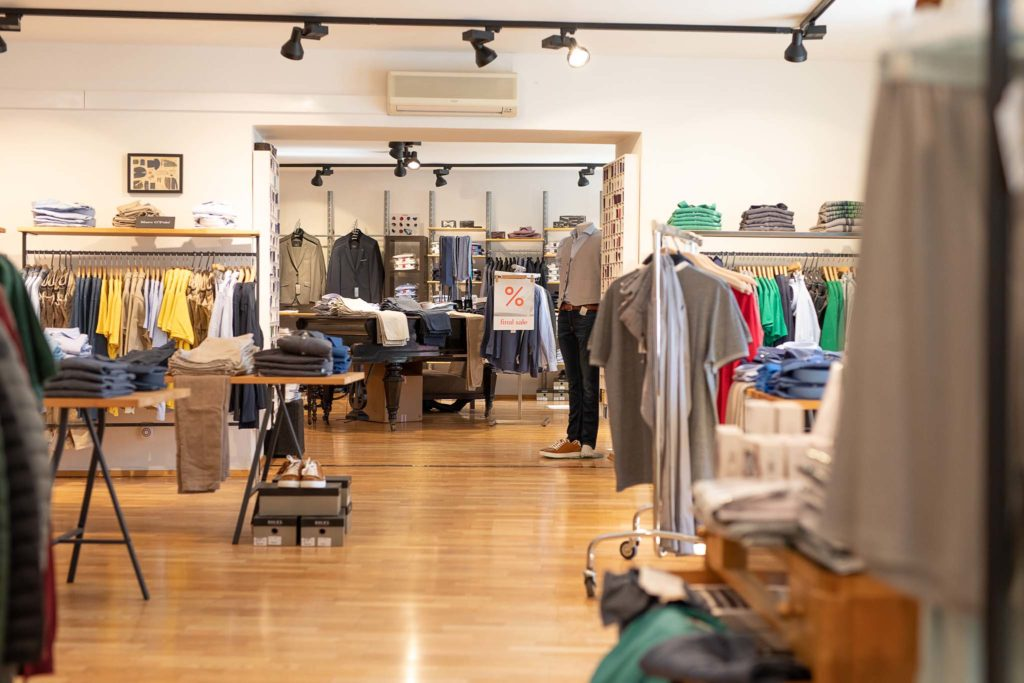 tvb-hallein-duerrnberg-erleben-shopping-ganzer-moden-frauenabteilung