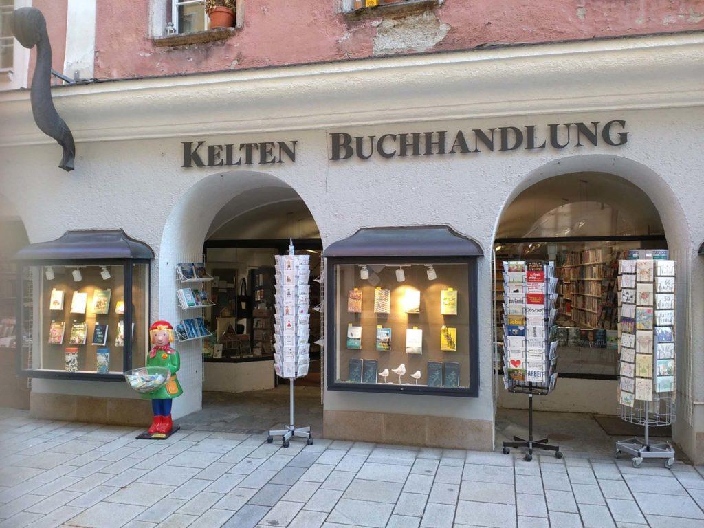 tvb-hallein-duerrnberg-erleben-shopping-keltenbuchhandlung-aussen