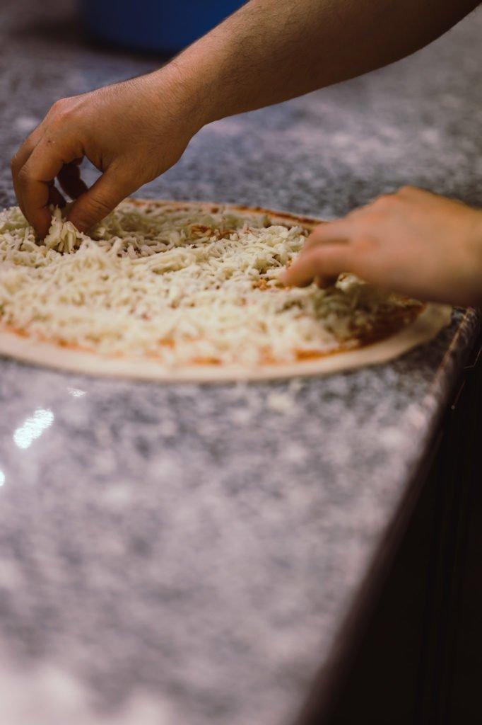 tvb-hallein-duerrnberg-erleben-shopping-koenig-kebab-pizza-kaese