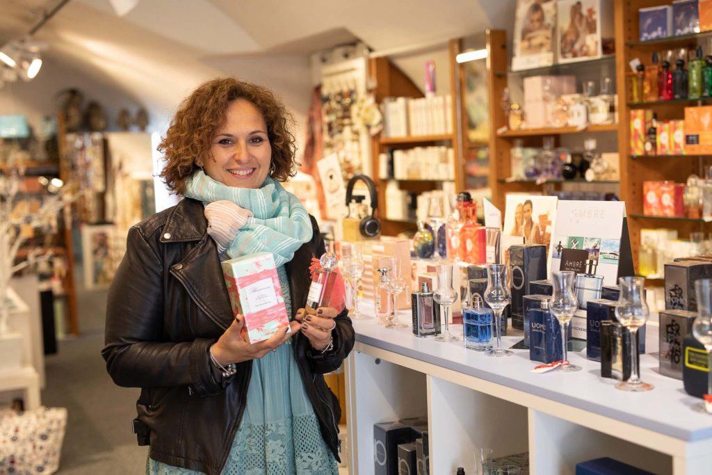 tvb-hallein-duerrnberg-erleben-shopping-parfumeriecharlie-inhaberin