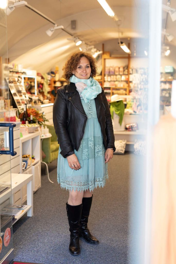 tvb-hallein-duerrnberg-erleben-shopping-parfumeriecharlie-michaela-loipold