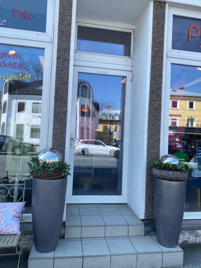 tvb-hallein-duerrnberg-erleben-shopping-schaufenster-aussenansicht