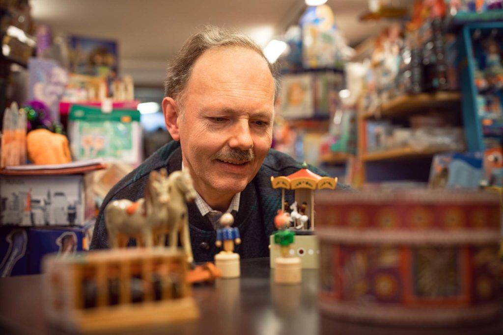 tvb-hallein-duerrnberg-erleben-shopping-spielwarenoedl-holzspielwaren