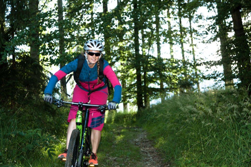 tvb-hallein-duerrnberg-erleben-zinkenstueberl- mountainbiken-wald