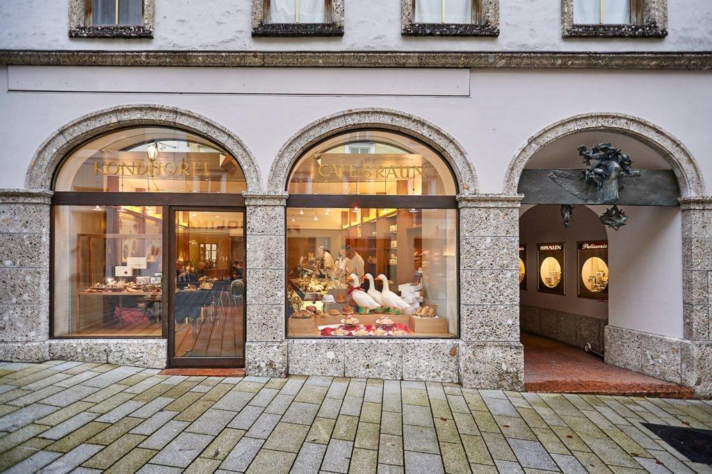 tvb-hallein-duerrnberg-genießen-cafe-konditorei-braun-altstadt-aussen