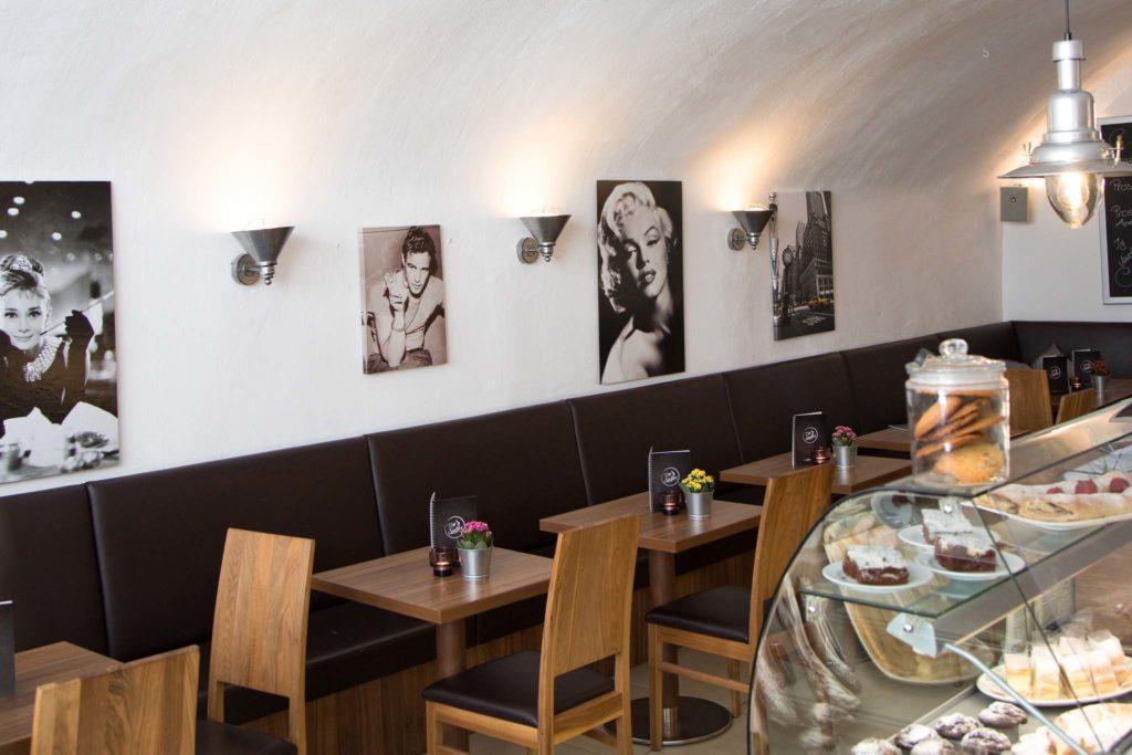 tvb-hallein-duerrnberg-genießen-cafe-salitri-geschaeftslokal-innenraum