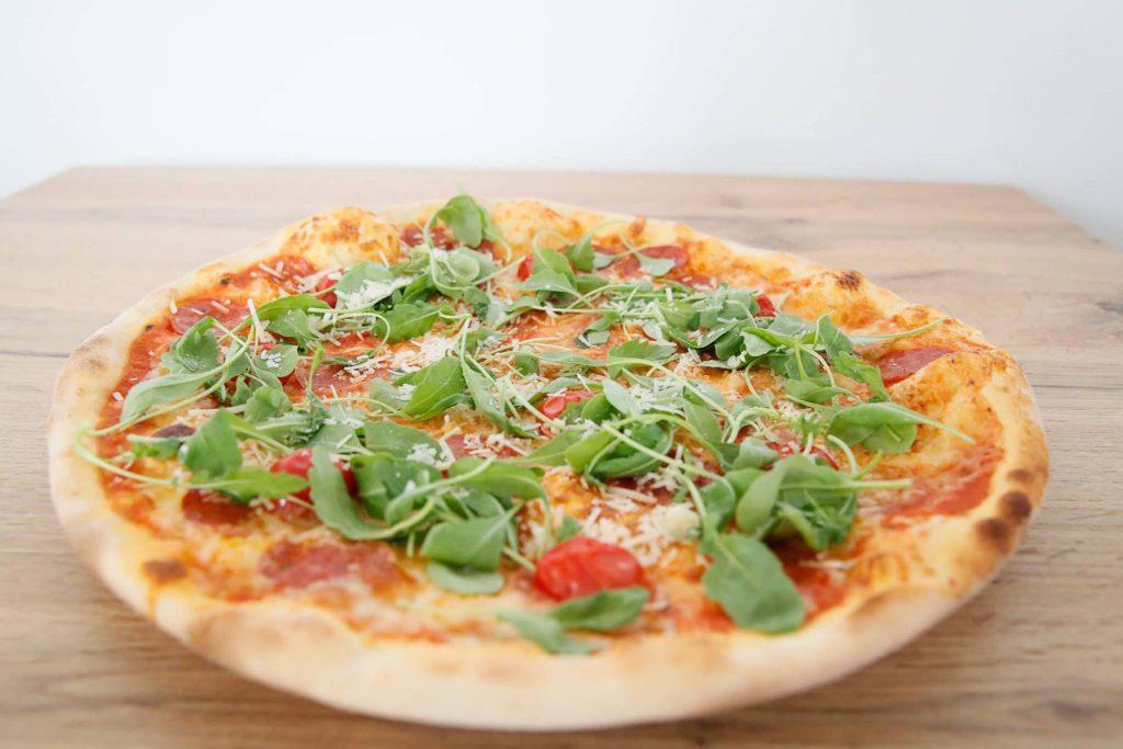 tvb-hallein-duerrnberg-genießen-casa-quattro-pizzeria-pizza-ruccola
