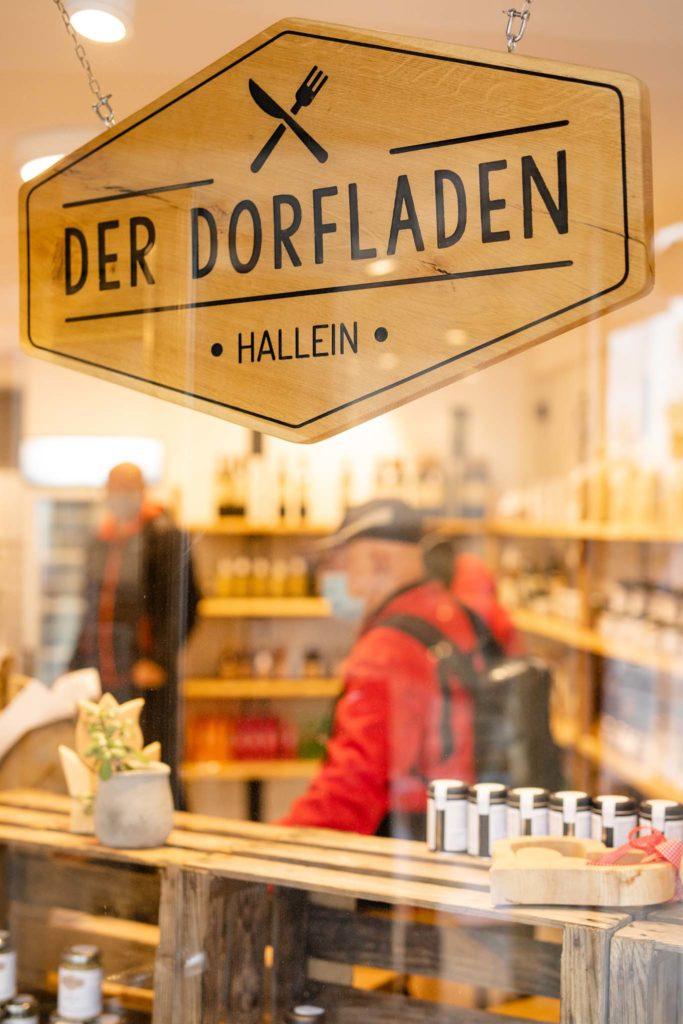 tvb-hallein-duerrnberg-genießen-feinkostlaeden-dorfladen-aussen-logo
