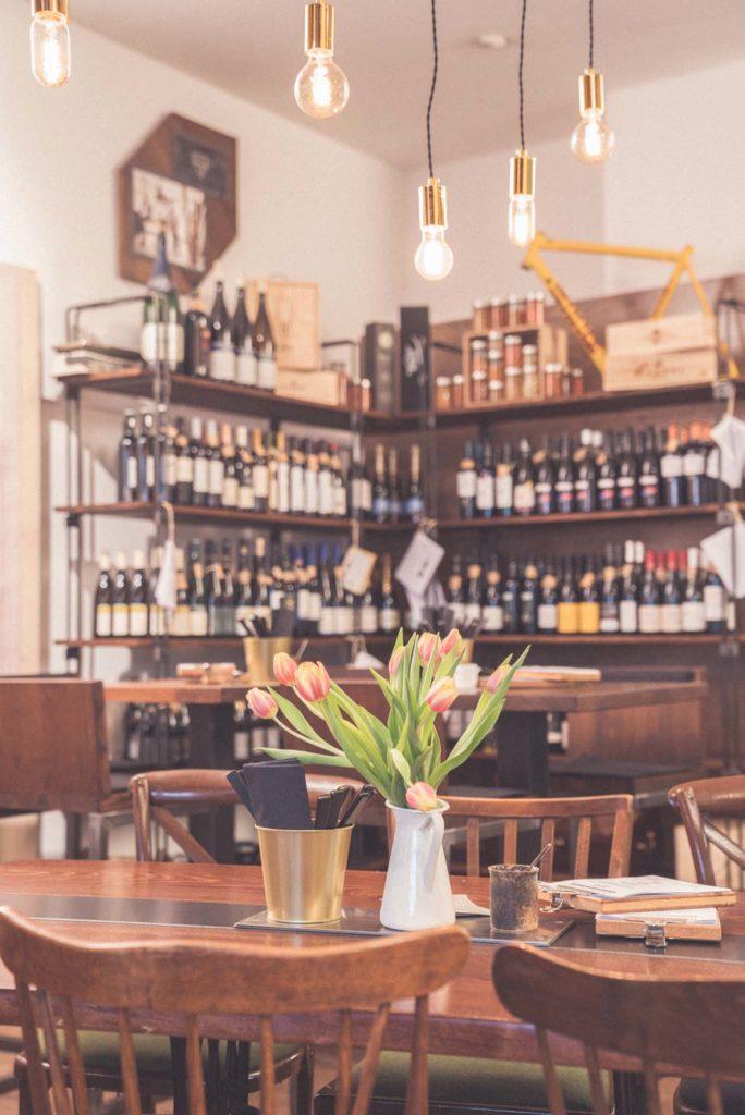 tvb-hallein-duerrnberg-genießen-genusskraemerei-restaurant-innenbereich