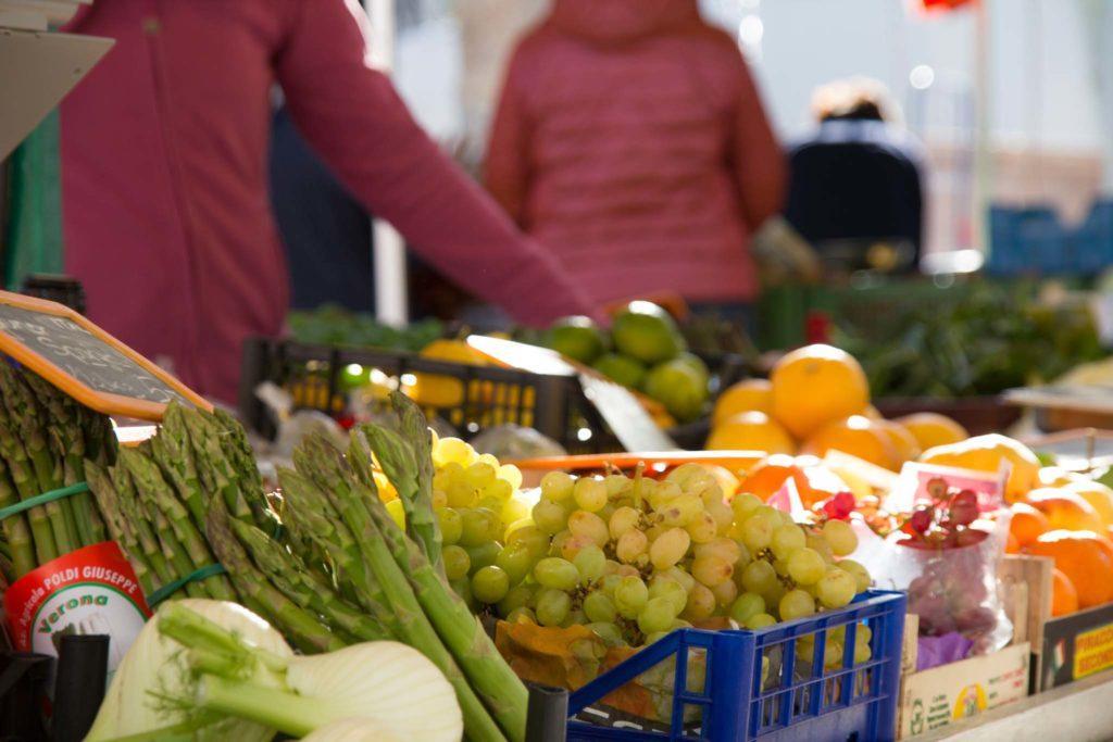 tvb-hallein-duerrnberg-genießen-halleiner-gruenmarkt-obst-und-gemuese