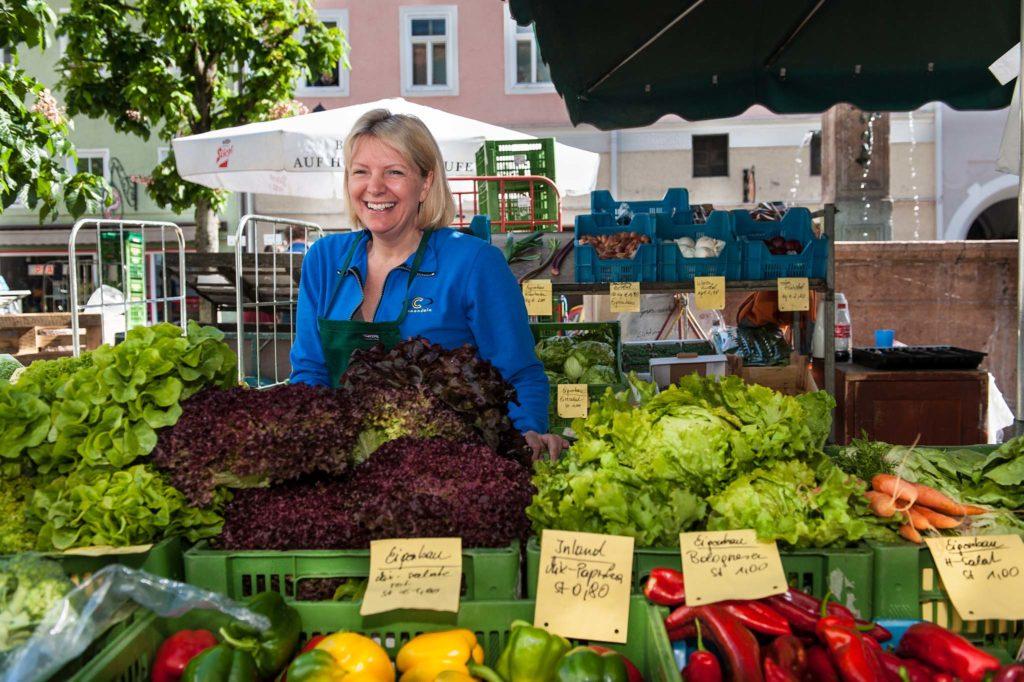 tvb-hallein-duerrnberg-genießen-halleiner-gruenmarkt-salate
