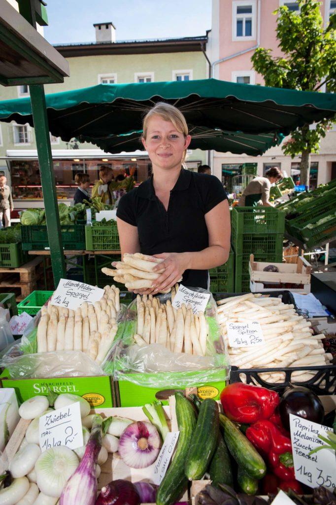 tvb-hallein-duerrnberg-genießen-halleiner-gruenmarkt-spargel