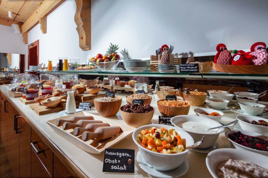 tvb-hallein-duerrnberg-genießen-hotel-kranzbichlhof-fruehstuecksbuffet