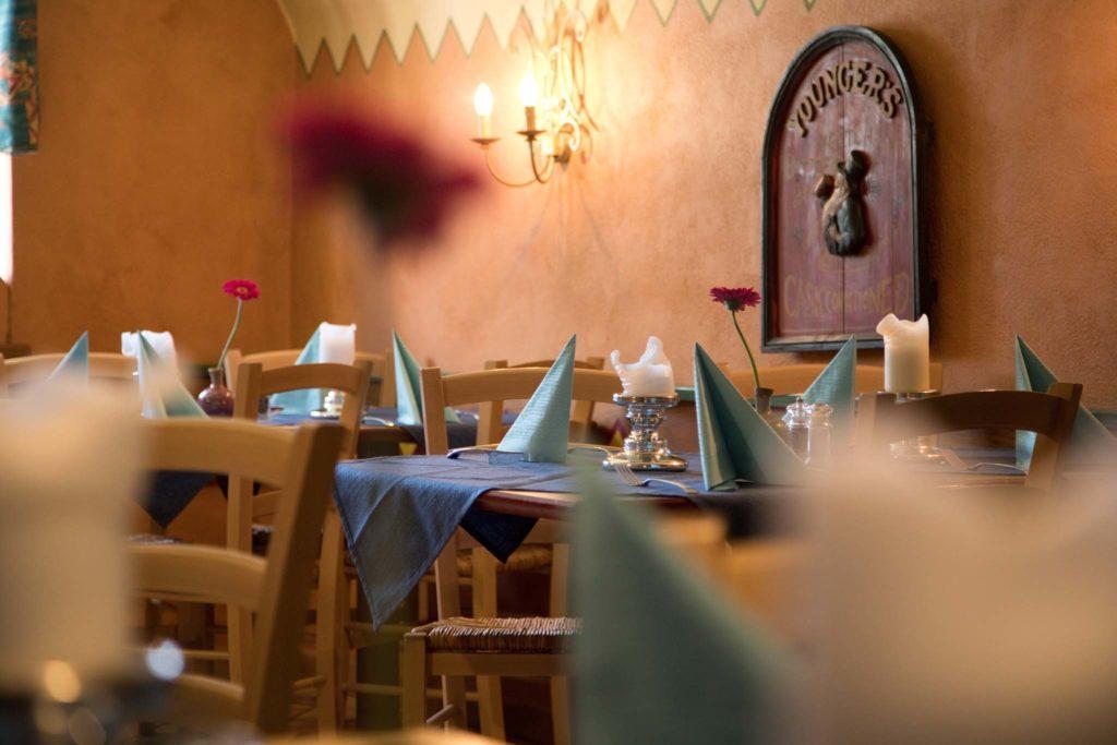 tvb-hallein-duerrnberg-genießen-steakhouse-restaurant-tepito-innenraum-tische