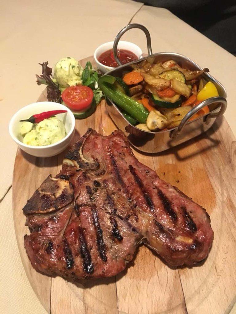 tvb-hallein-duerrnberg-genießen-steakhouse-restaurant-tepito-steak-in-herzform