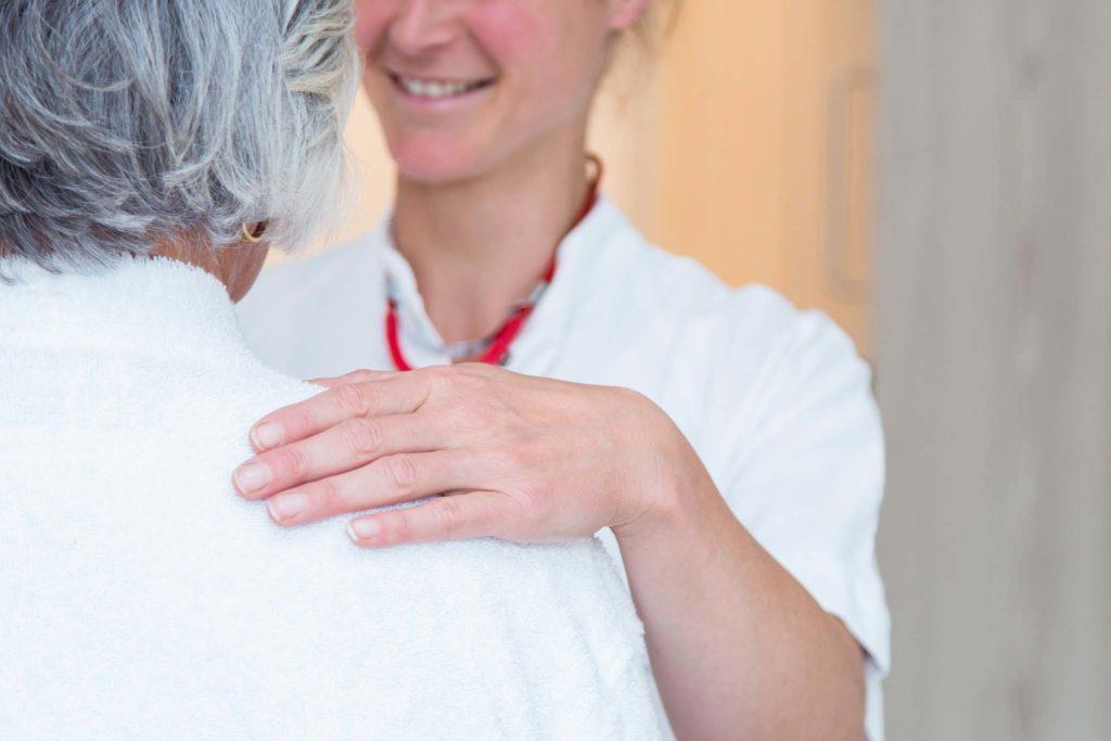tvb-hallein-duerrnberg-gesundheit-emco-klinik-patient-arzt