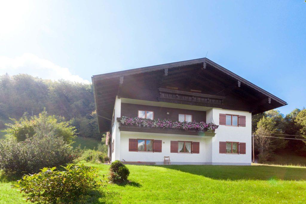tvb-hallein-duerrnberg-unterkunft-achleiten-hausansicht-vorne