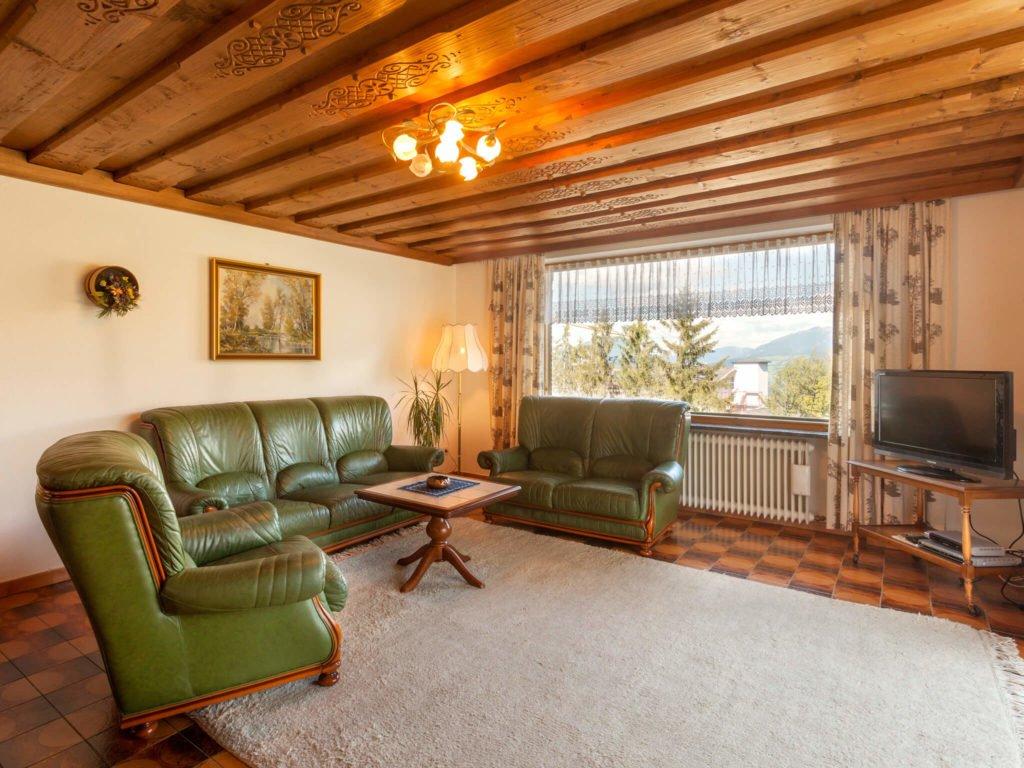 tvb-hallein-duerrnberg-unterkunft-wallmann-wohnzimmer