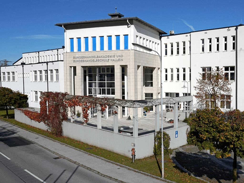tvb-hallein-duerrnberg-ausbildungsstandort-hak-hasch-hallein-schule-aussen