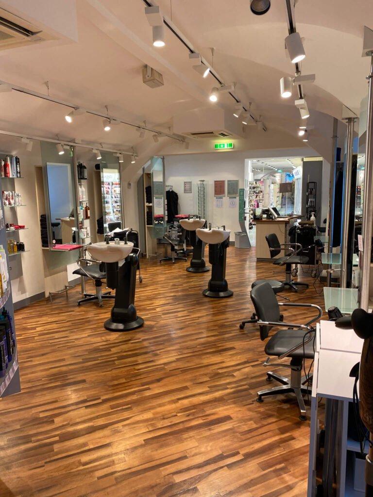 tvb-hallein-duerrnberg-dm-thunstrasse-kosmetikstudio-innen