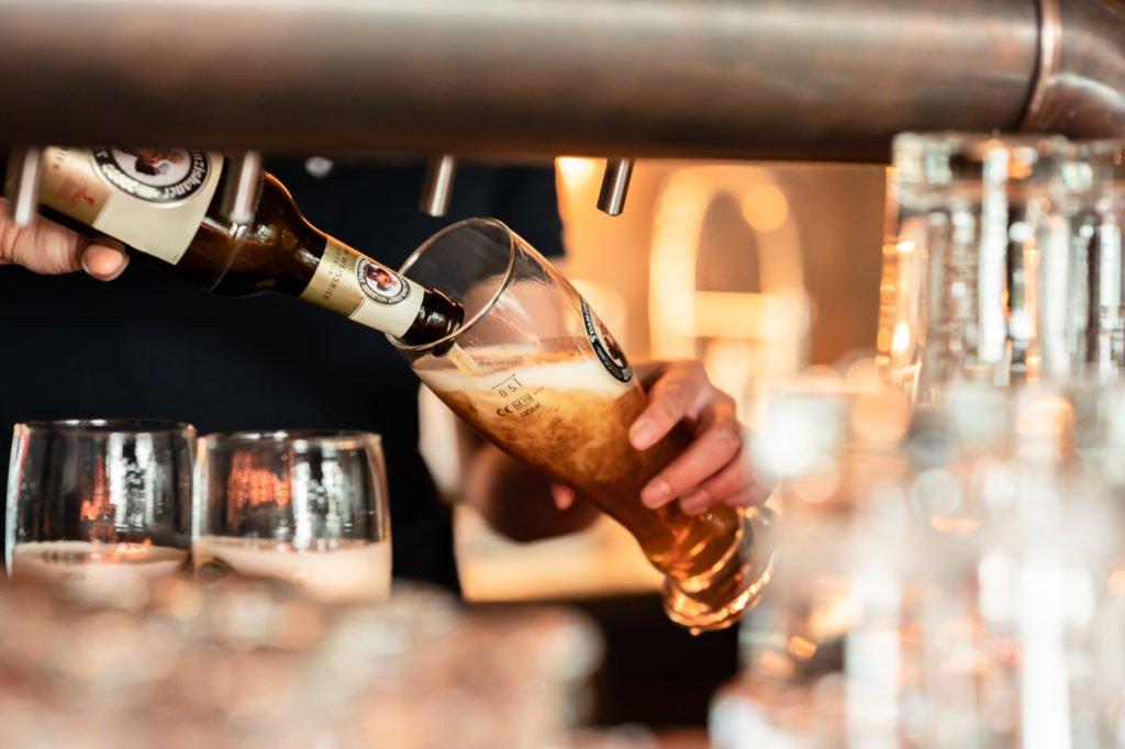 tvb-hallein-duerrnberg-erleben-geniessen-stadtgespraech-bier