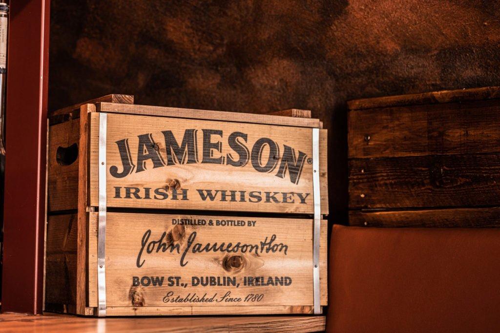 tvb-hallein-duerrnberg-erleben-geniessen-stadtgespraech-detail-jameson-whiskey