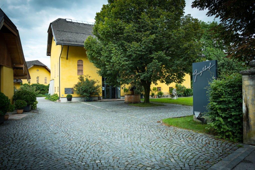 tvb-hallein-duerrnberg-guglhof-aussenansicht