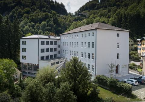 tvb-hallein-duerrnberg-informieren-ausbildungsstandort-modeschule-hallein
