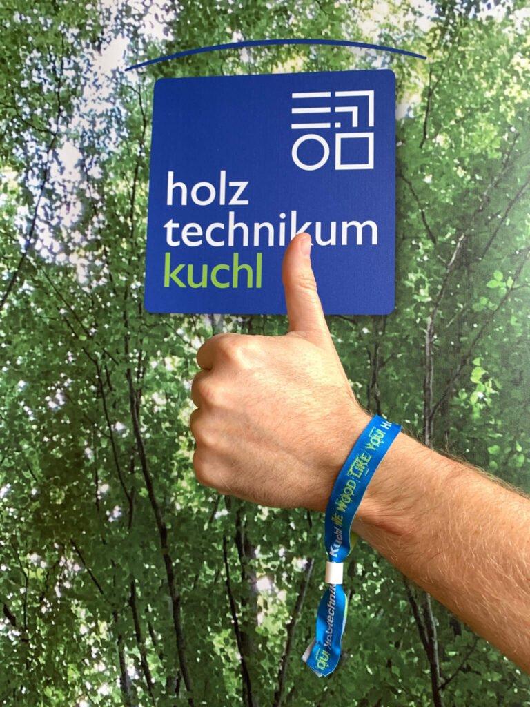 tvb-hallein-duerrnberg-informieren-htk-daumen-hoch