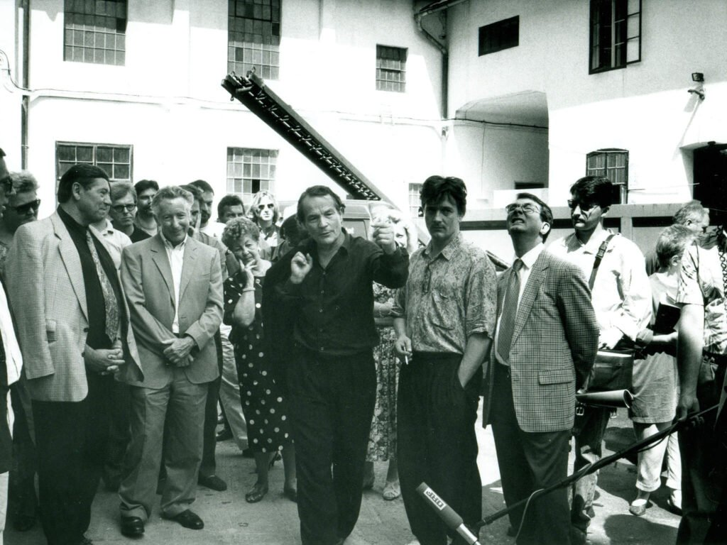 tvb-hallein-duerrnberg-kultur-festspiele-1992-PRESSEFUEHRUNG-PERNER-INSEL-Hans-Landesmann-Peter-Stein-xxx-Gerard-Mortier-Foto-Charlotte-Oswald