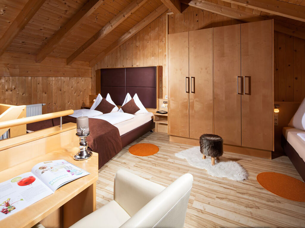 tvb-hallein-duerrnberg-unterkunft-auwirt-apartment-wohnen-auf-zeit-dachgeschoss