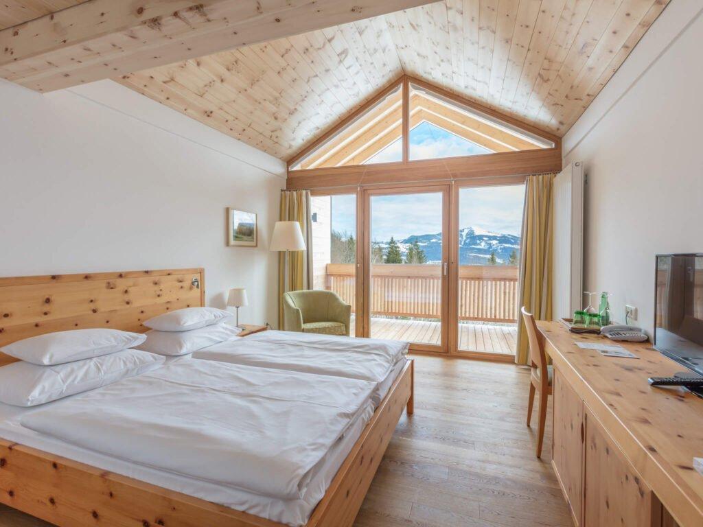 tvb-hallein-duerrnberg-unterkunft-kranzbichlhof-zirbenzimmer