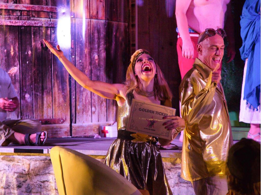tvb-hallein-duerrnberg-veranstaltung-strassentheater-golden-ticket